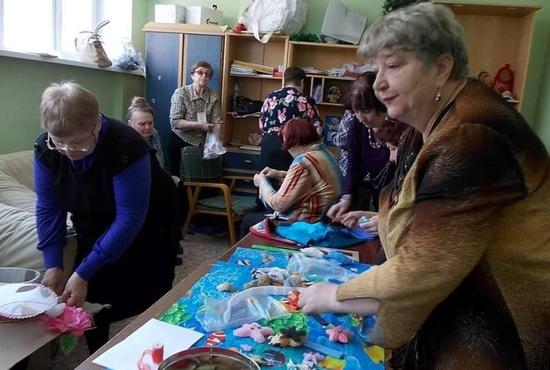 В Новоуральске работает «детсад» для пенсионерок