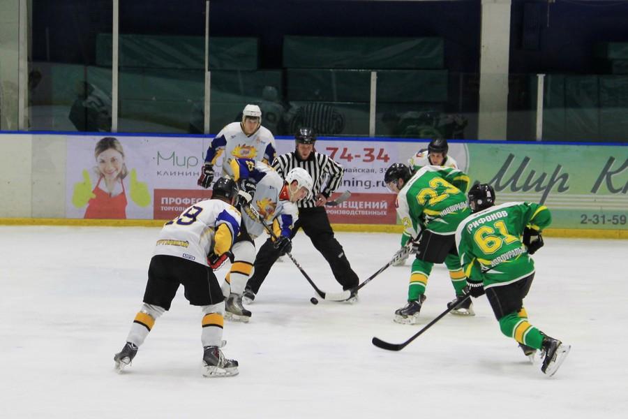 Хоккей. Удачный старт