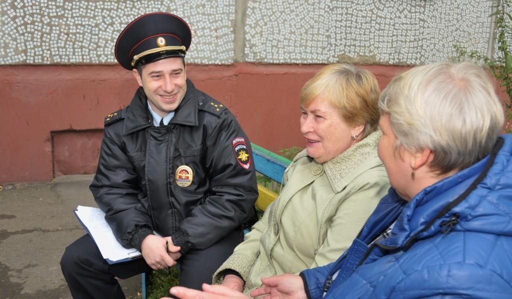 В Новоуральске сотрудники полиции проводят профилактические мероприятия среди жителей старшей возрастной категории