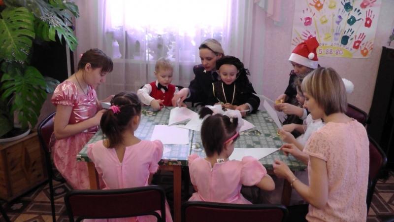 Полицейские Новоуральска в рамках акции «Полицейский Дед Мороз» провели мастер-класс с воспитанниками реабилитационного центра