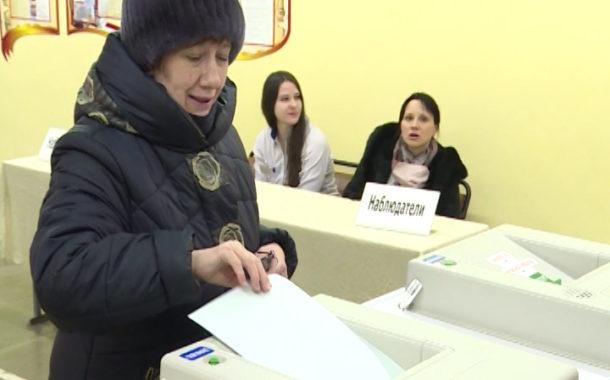 Новоуральцы на выборах Президента. От открытия до закрытия участков
