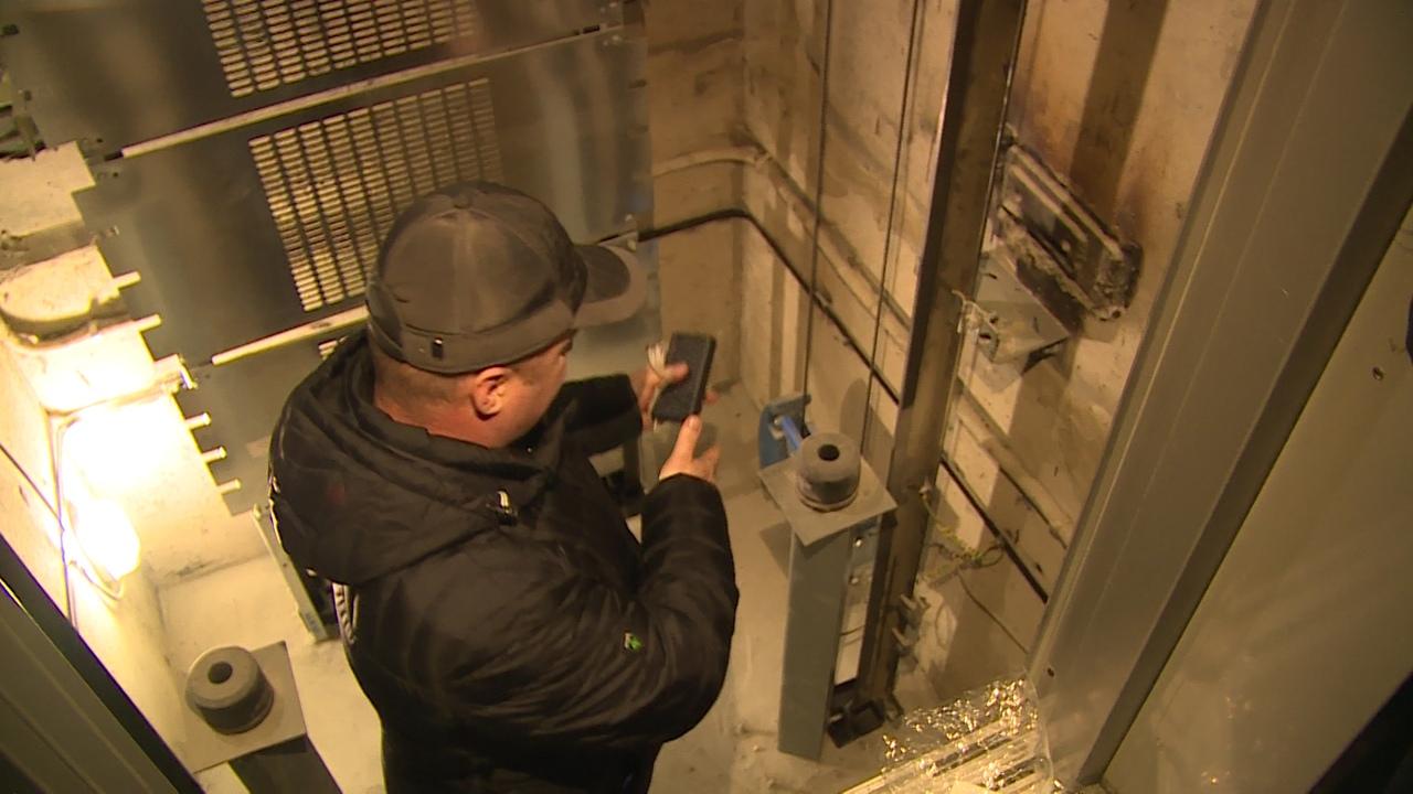 В Новоуральске заканчивается замена лифтов
