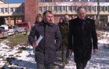 Наведем порядок! Новоуральск готовится к майским праздникам. В городе метут улицы и моют дороги