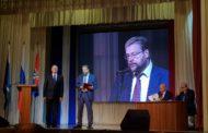 Сегодня в доме культуры УЭХК в рамках внеочередного заседания Думы состоялась церемония инаугурации Владимира Цветова на должность Главы НГО