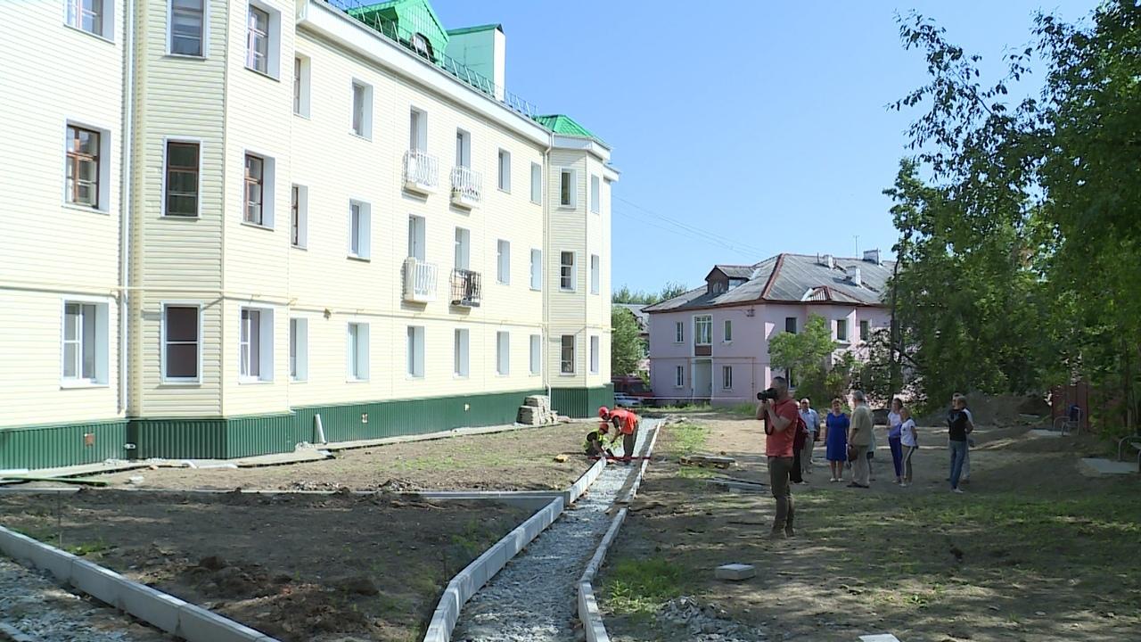 Ремонт дворов Новоуральска в разгаре