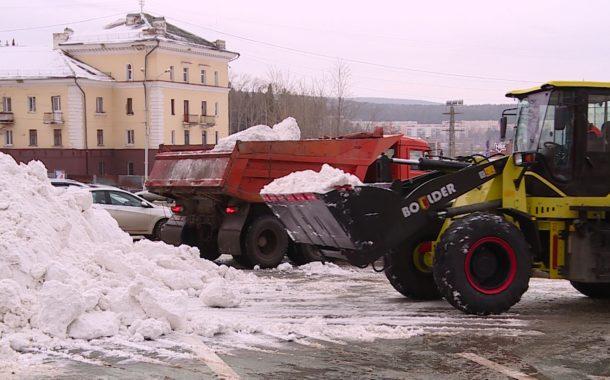 Коммунальщики устраняют последствия непогоды