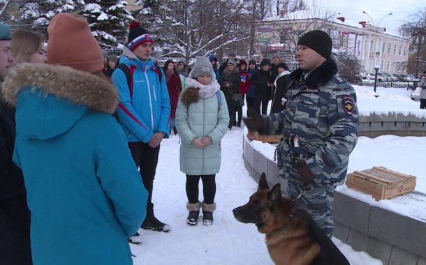 «Студенческий десант» в полиции Новоуральска