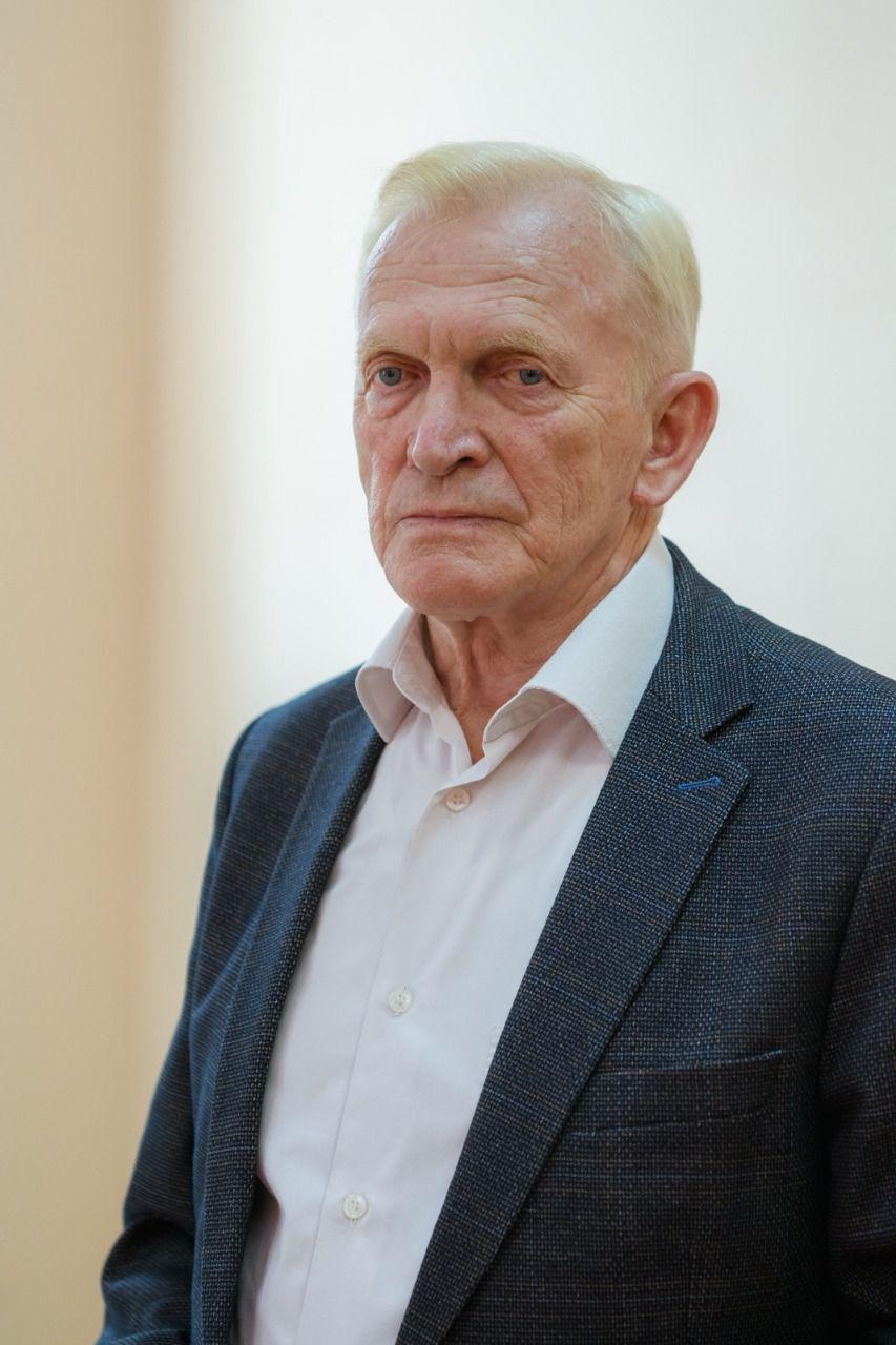 Главный эпидемиолог Екатеринбурга Александр Харитонов: Только вакцинация позволит создать барьер для коронавируса. Не нужно бояться вакцины