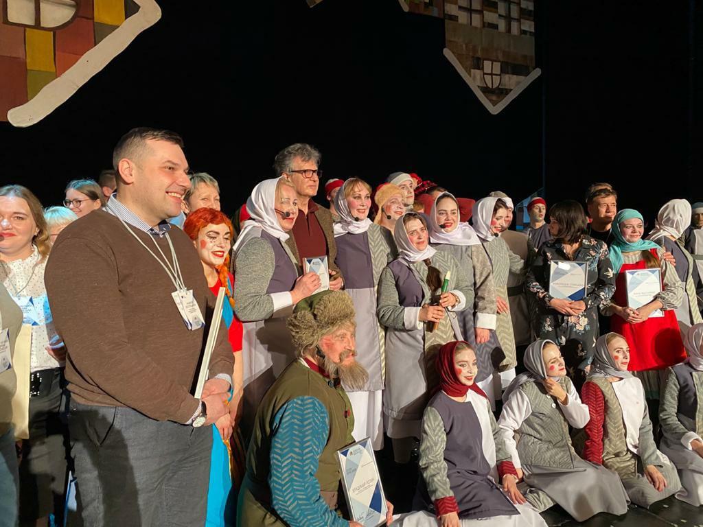 Новоуральский театр музыки, драмы и комедии в Москве на Золотой маске!