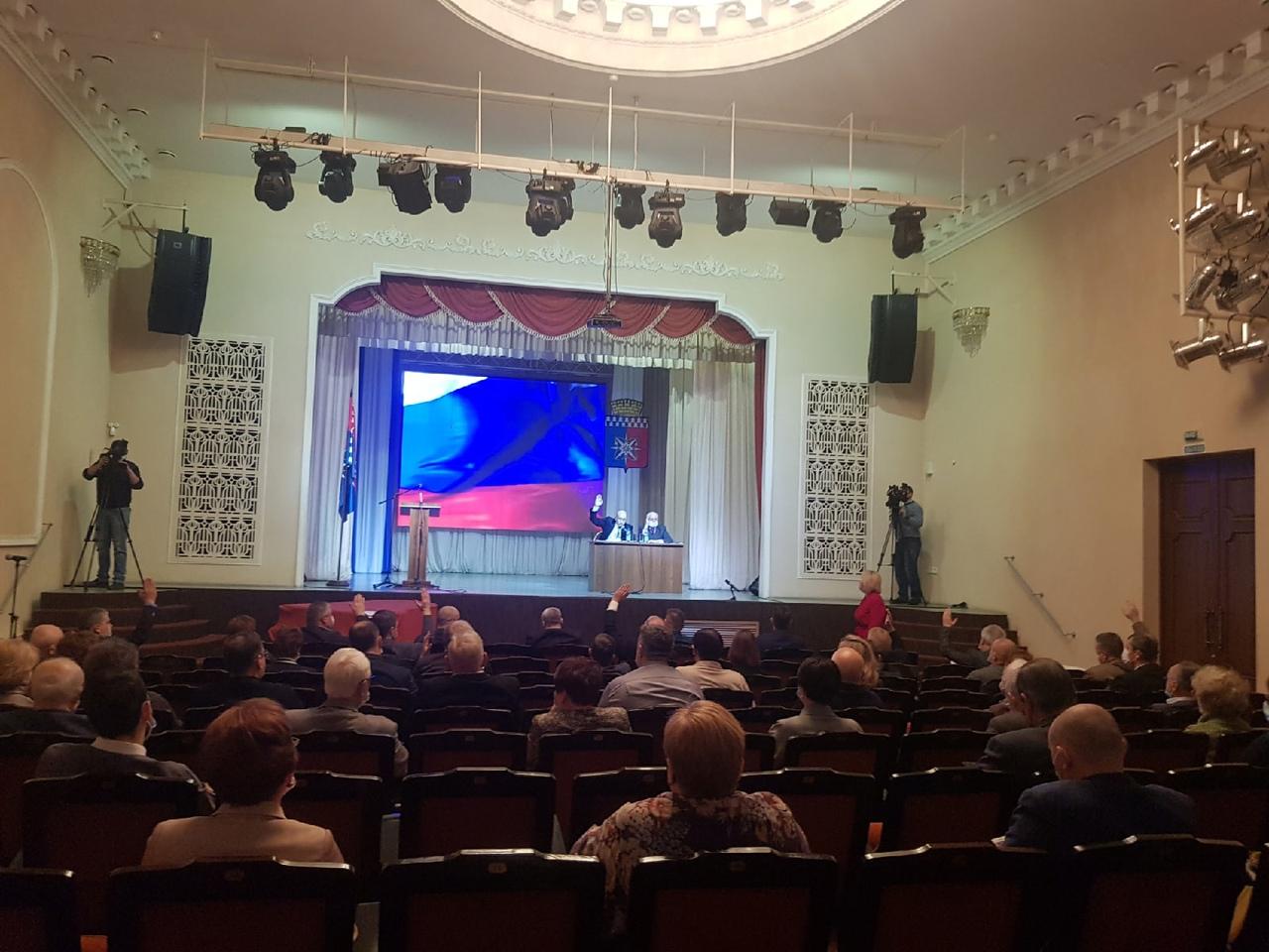 Досрочная отставка Главы НГО Владимира Цветова