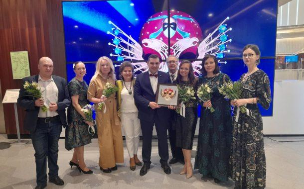 «Золотая маска» в Новоуральске! Театр музыки, драмы и комедии привез из Москвы самую престижную театральную премию