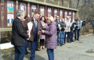 Мир, труд, май! В Новоуральске наградили жителей, отличившихся в труде. Теперь их имена занесены на Доску Почета