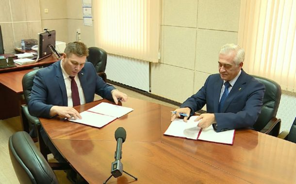 Подписано соглашение о сотрудничестве между Уральским государственным экономическим университетом и Новоуральским городским округом