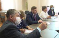 Глава округа Вячеслав Тюменцев провел совещание по новогодней кампании