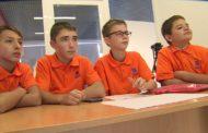 Новоуральские школьники создали обучающий ролик для пенсионеров, чтобы быстро освоить интернет